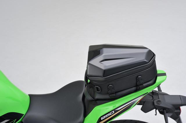 画像5: フルカウルスポーツバイクに似合うシートバッグ! 日帰りツーリングに役立つヘンリービギンズの新型「シェルシートバッグ」