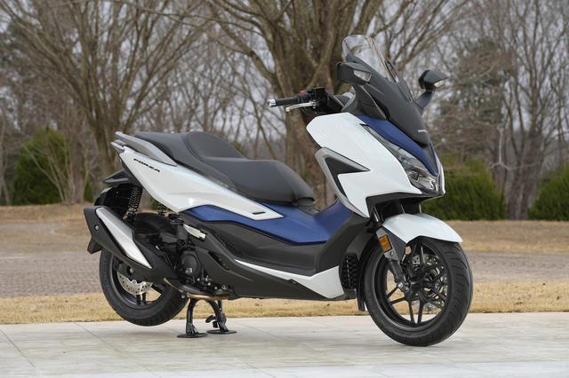 画像1: ホンダの250ccスクーター「フォルツァ」がモデルチェンジ! 国内市販予定車を20枚の写真でチェック【2021速報】