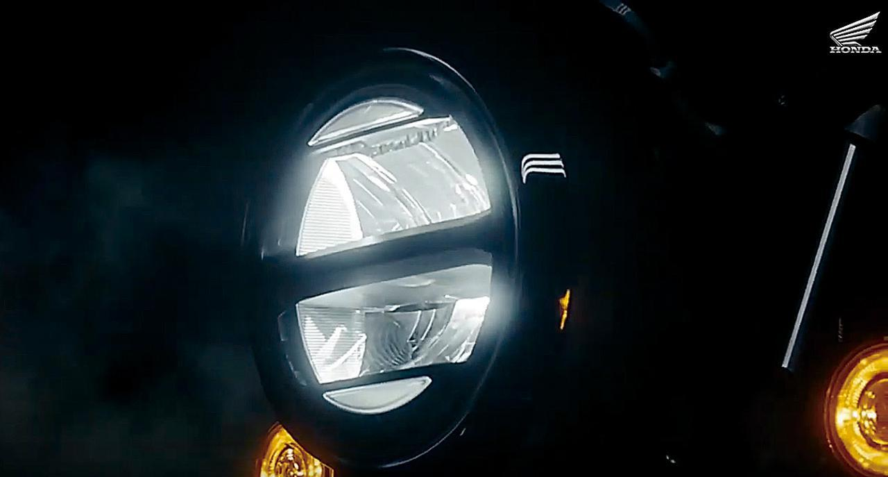 画像: ヘッドライトはLED。ウインカーもLEDで、レブル250などと同タイプの、リング状に光る仕様。灯火類は最新のものだ。