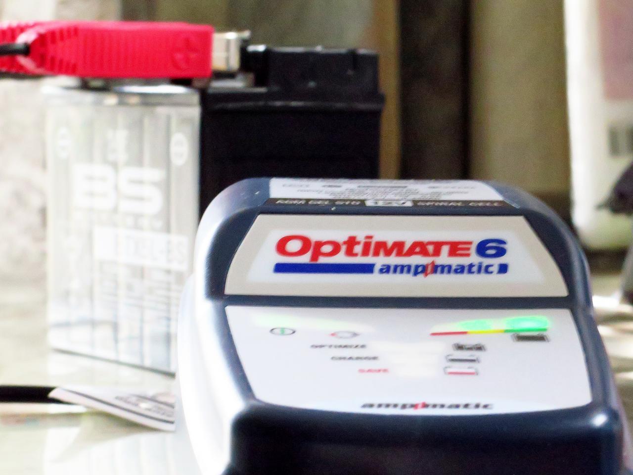 画像: 弱り切ったバッテリーは復活するのか?バッテリーメンテナー「オプティメート6」をテスト - webオートバイ
