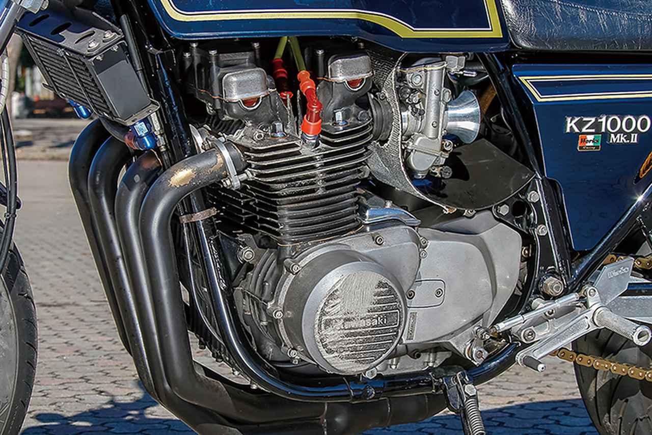 画像: エンジンはワイセコφ[純正サイズ:70→]71ピストンで[同:1015→]1045cc化、ヨシムラST-1カム組み込みやポート加工等、ひと通りのチューニングメニューがカスタム化の初期段階で施されている。オイルクーラーは、これも懐かしのセトラブ13段、機能もしっかり維持する。