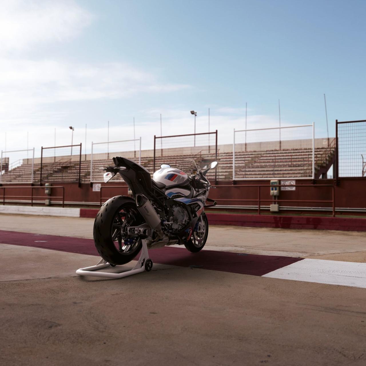 Images : 3番目の画像 - 【写真49枚】BMW「M1000RR」 - webオートバイ