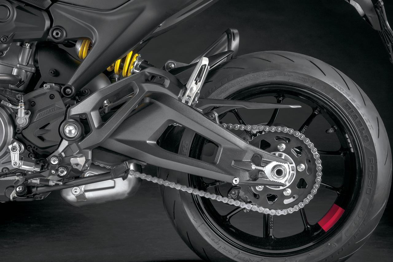 Images : 9番目の画像 - 【写真13枚】ドゥカティ新型モンスター/モンスター・プラス - webオートバイ