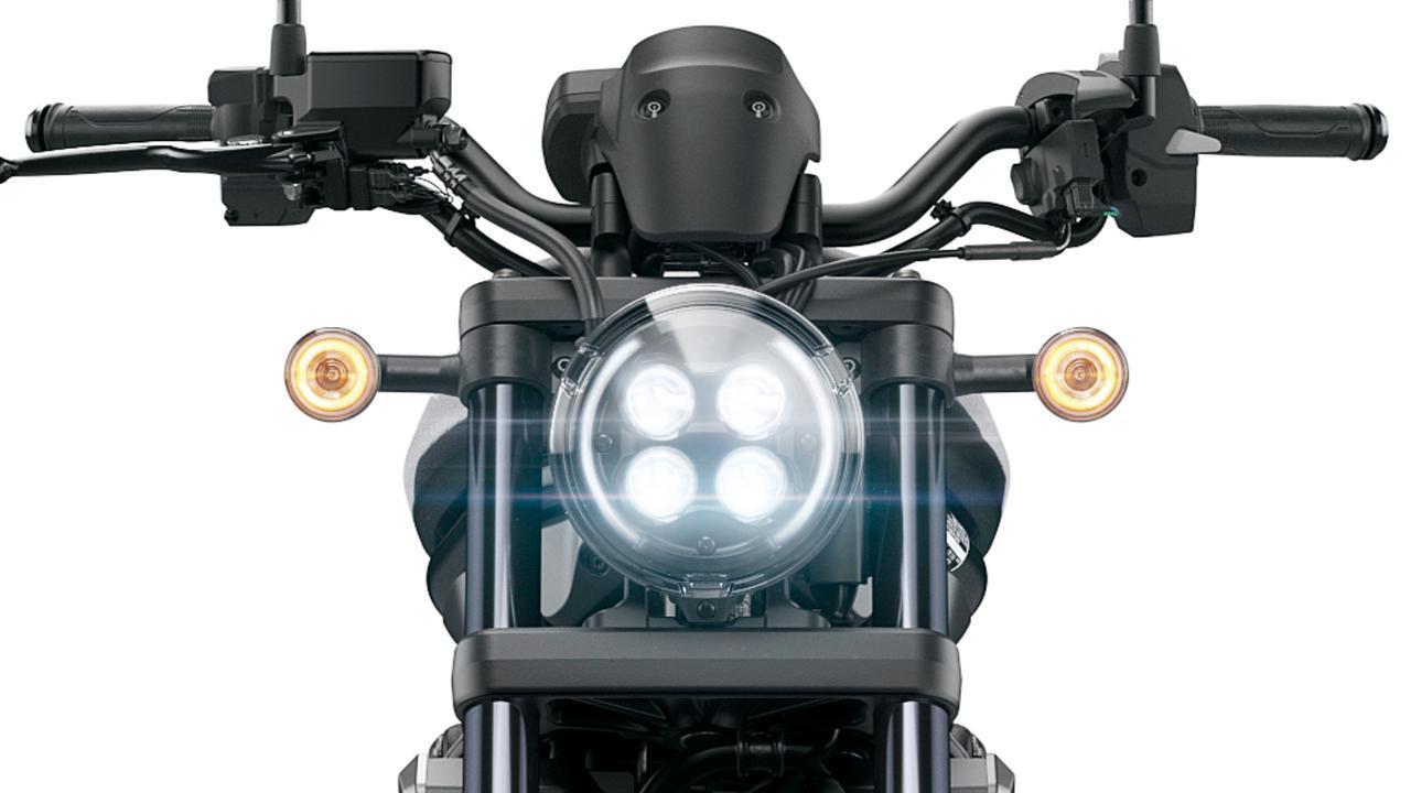 画像: レブル250/500は2020年型でフルLED化され4灯のヘッドライトを装備。レブル1100も採用するが、両サイドに弧を描くようなポジション灯は1100独自のもの。