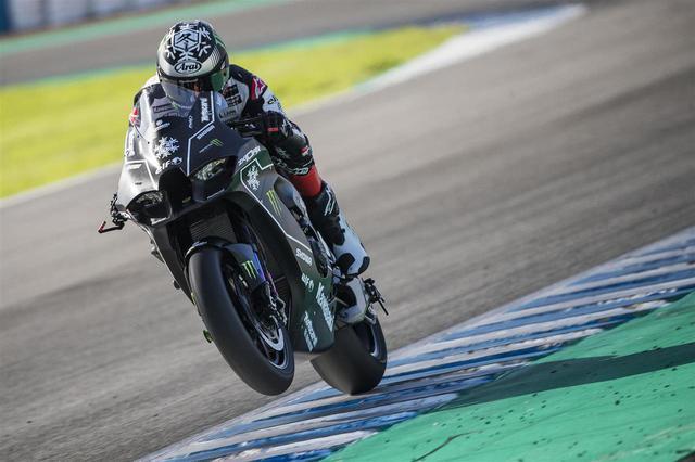 画像: カワサキ「Ninja ZX-10RR」の2021年型がスーパーバイク世界選手権のウインターテストに登場 - webオートバイ