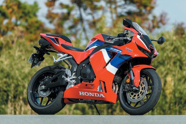 画像: Honda CBR600RR 総排気量:599cc エンジン形式:水冷4ストDOHC4バルブ並列4気筒 最高出力:121PS/14000rpm 最大トルク:6.5kg-m/11500rpm シート高:820mm 車両重量:194kg 発売日:2020年9月25日 メーカー希望小売価格:税込160万6000円