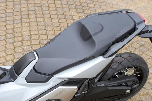 画像3: ホンダ新型「X-ADV」国内市販予定車の姿が明らかに! モデルチェンジを遂げた大型ATアドベンチャー【2021速報】