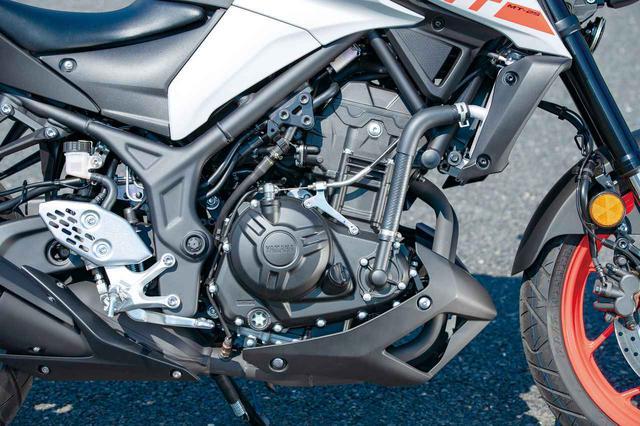 画像: MT-25 エンジンは先代から継承している。回すと爽快なパンチ力を楽しめるが、低中域でも扱いやすいのでビギナーにも人気。