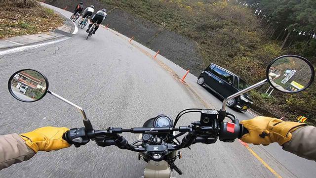 画像: ここが道志みちでも一番の勾配とされる通称両国ヘアピン。ハンターはものともせずガンガンあがる。