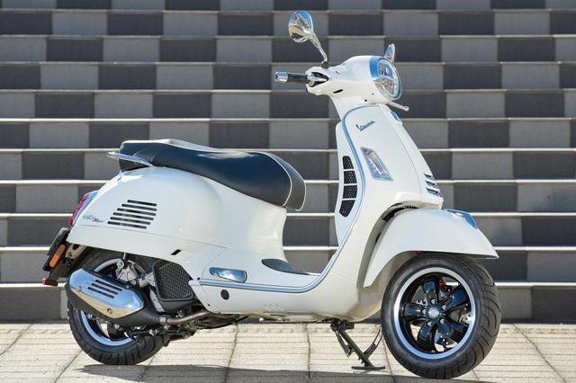 画像: Vespa GTS Super 150 総排気量:155cc エンジン形式:水冷4ストSOHC4バルブ単気筒 シート高:790mm 車両重量:140kg メーカー希望小売価格:税込56万1000円