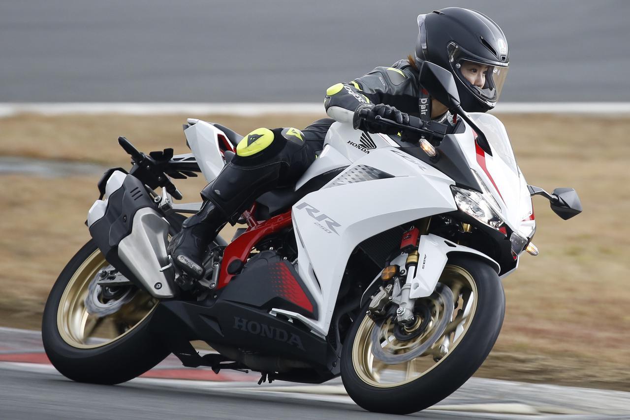 画像1: ライディングモードによって最高速は変わるのか? ホンダ新型「CBR250RR」で2度目の最高速チャレンジ(平嶋夏海) - webオートバイ