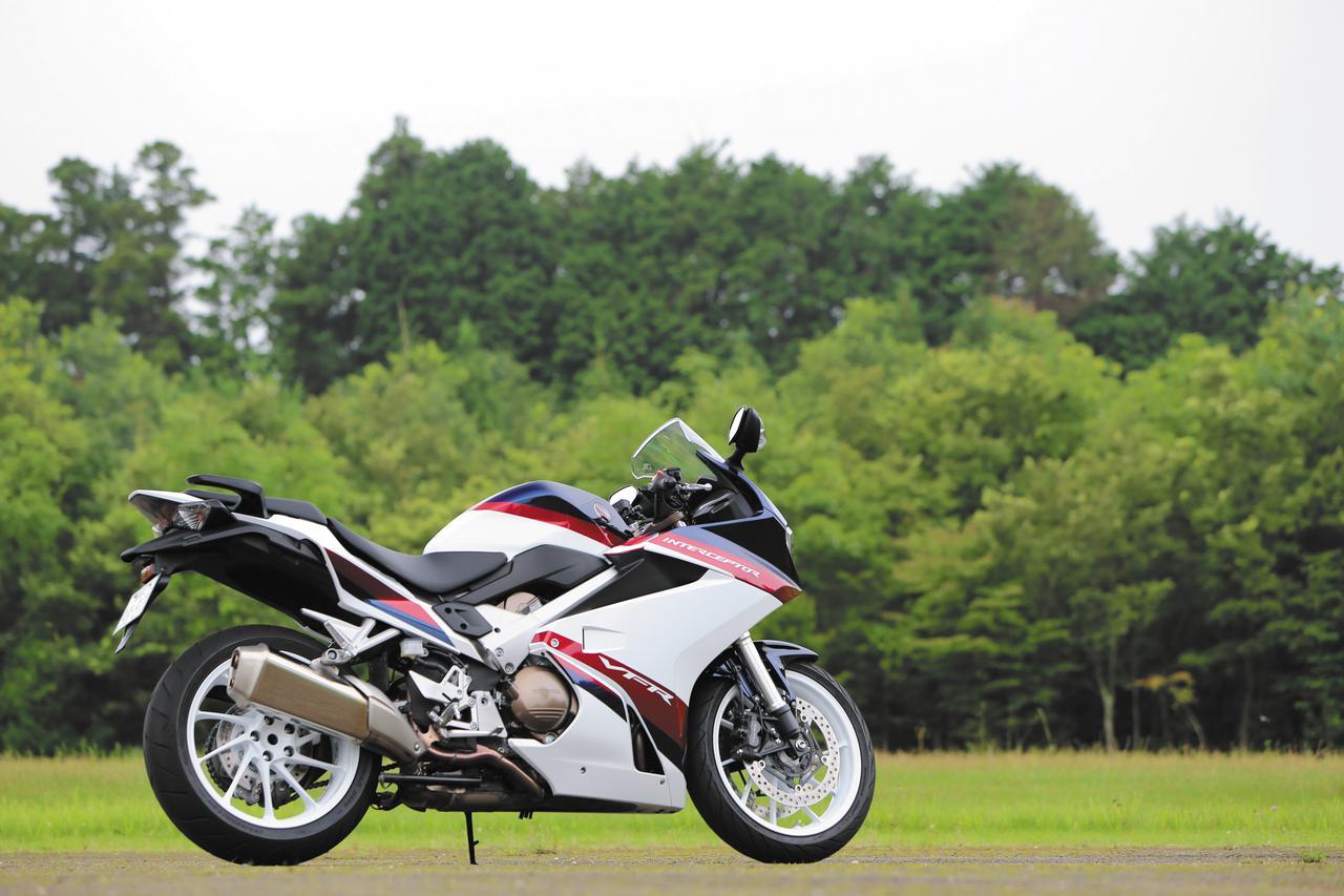 Images : 1番目の画像 - 【写真5枚】ホンダ「VFR800F」 - webオートバイ