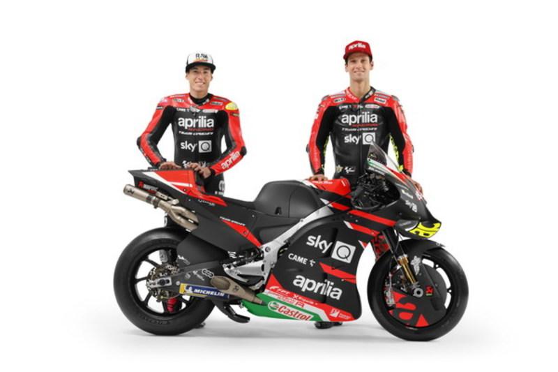 画像: アプリリアで5年目のシーズンとなるエスパルガロ(左)とMotoGPクラス初のレギュラー参戦となるサバドーリ(右)