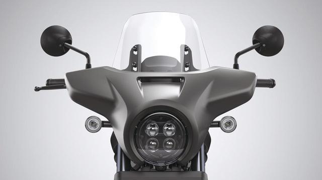 画像: スクリーンカウル 税込価格2万4200円 傷がつきにくいポリカーボネイト樹脂のスクリーンを採用した、いわゆる「ヤッコカウル」。高速道路でのクルージングや、雨天時の走行で大きく効果を発揮するはずだ。