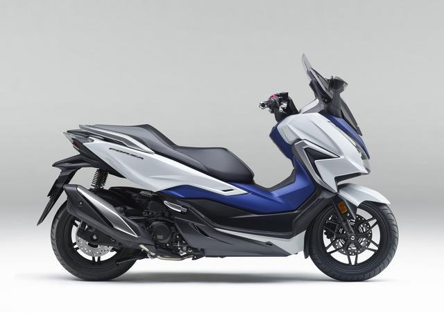画像: Honda FORZA (新型・2021年モデル) 排気量:249cc エンジン形式:水冷4ストOHC4バルブ単気筒 シート高:780mm 車両重量:186kg 発売日:2021年3月25日(木) メーカー希望小売価格:税込65万8900円