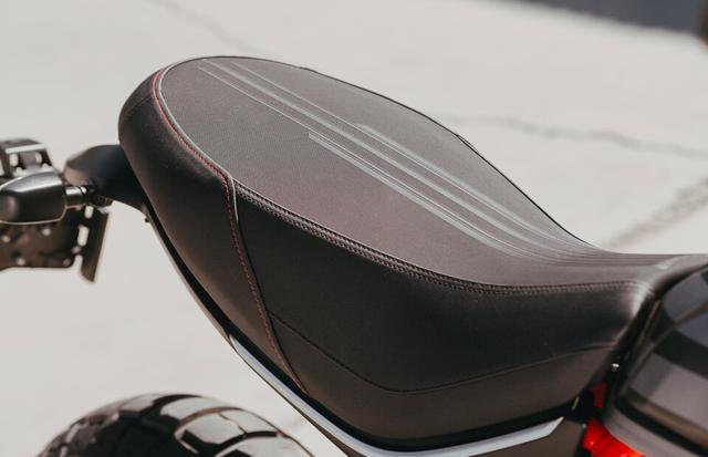 画像2: ドゥカティが新型車「スクランブラー・デザートスレッド・ファストハウス」を発表! 限定800台のコラボモデル【2021速報】