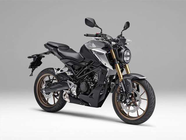 画像: Honda CB125R 新型・2021年モデル 総排気量:124cc エンジン形式:水冷4ストDOHC4バルブ単気筒 シート高:815mm 車両重量:130kg 発売日:2021年4月22日 メーカー希望小売価格:税込47万3000円