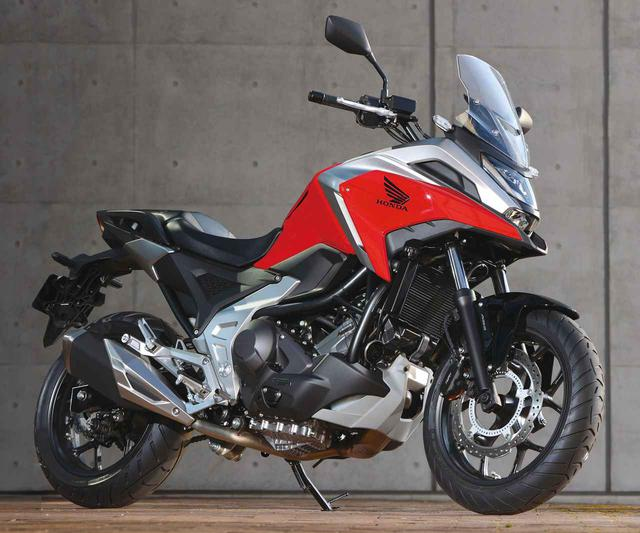 画像: Honda NC750X (2021年モデル) 総排気量:745cc エンジン形式:水冷4ストSOHC4バルブ並列2気筒 シート高:800mm 車両重量:214kg(DCTは224kg) 発売日:2021年2月25日 メーカー希望小売価格:税込92万4000円(DCTは税込99万円) ※写真はNC750X Dual Clutch Transmission