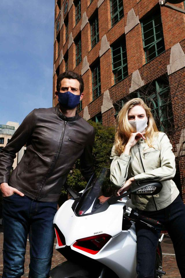 画像2: ライディング以外にも着られるこの季節にピッタリなレザージャケット。 2021年春の最新バイクウェア#1をご紹介byゴーグル2021年3月24日発売号