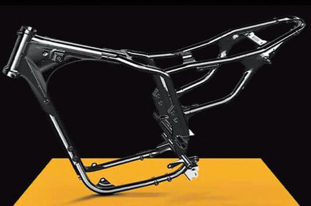 画像: シンプルでバランスの良いスチール製のセミダブルクレードルフレームは、ハイネスCB350からそのまま受け継がれている。