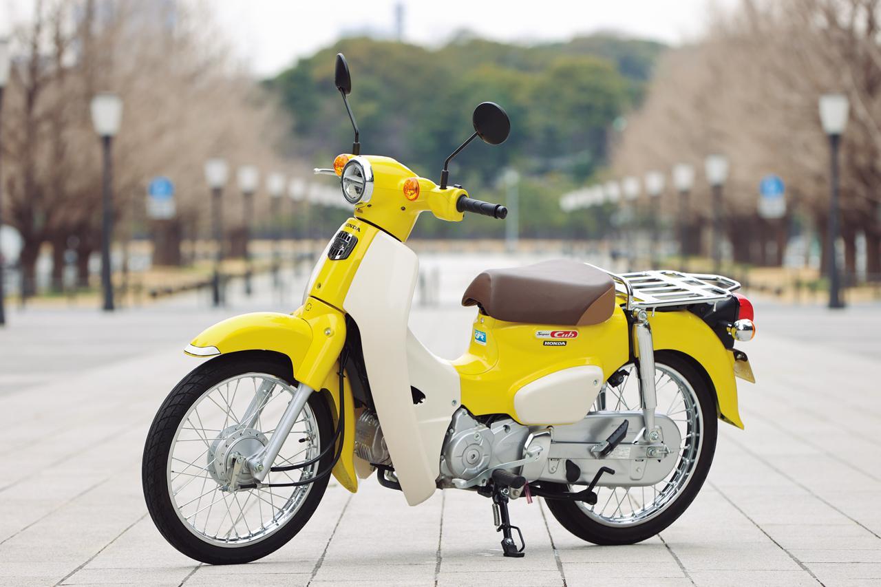 画像: Honda SUPER CUB 110 総排気量:109cc エンジン形式:空冷4ストOHC単気筒 シート高:735mm 車両重量:99kg メーカー希望小売価格:28万500円(税込)