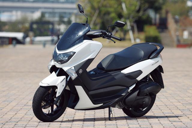 画像: YAMAHA NMAX ABS 総排気量:124cc エンジン形式:水冷4ストOHC4バルブ単気筒 シート高:765mm 車両重量:127kg 2020年モデルの発売日:2020年4月25日 メーカー希望小売価格:35万7500円(税込)