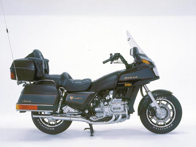 画像: 1984年 GL1200アスぺンケイド 1182㏄エンジンを採用、フロントは16インチ化された。アスペンケイドはインターコムなどを標準装備した最上級モデル。
