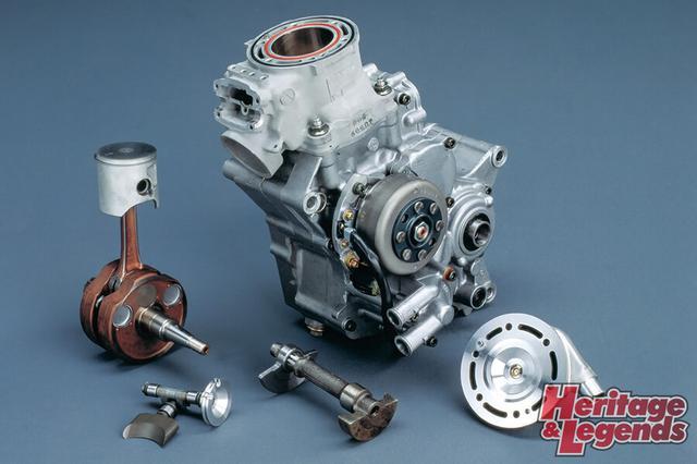 画像: 2ストロークの簡素ながら奥の深いエンジン形式