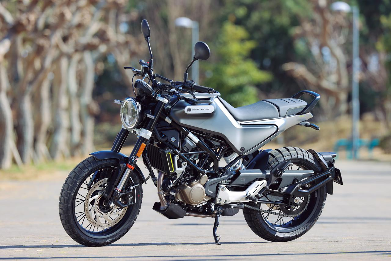 画像: HUSQVARNA MOTORCYCLES SVARTPILEN 125 総排気量:125cc エンジン形式:空冷4ストDOHC4バルブ単気筒 シート高:835mm 車両重量:約146kg メーカー希望小売価格:53万9000円(税込)