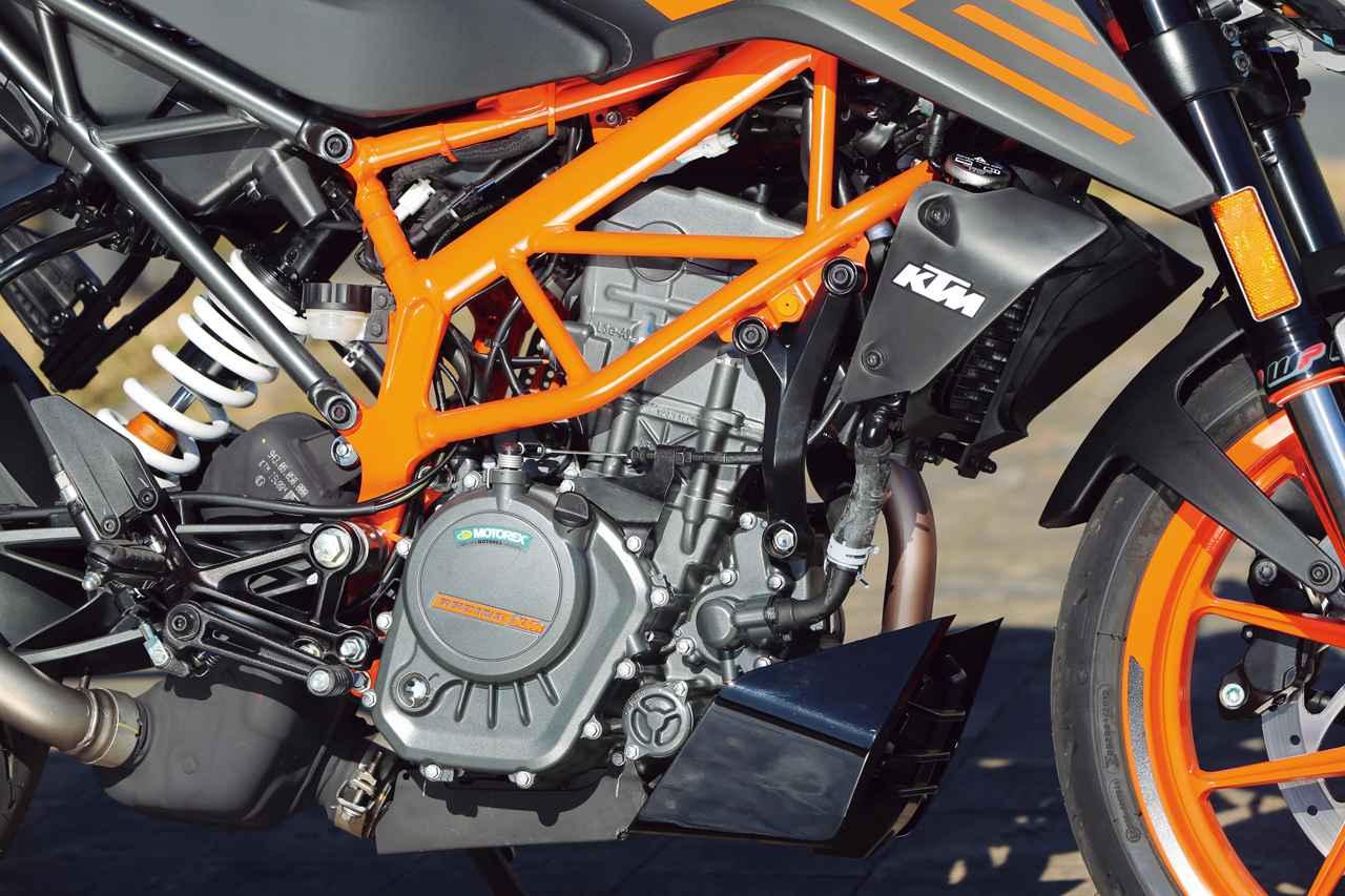画像: 水冷4バルブDOHC単気筒エンジンは中域からのシャープな吹け上がりが魅力。スポーツバイクらしい爽快な走りを実現する。