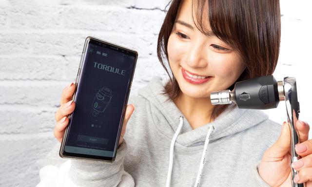 画像: 専用アプリをスマホにインストールし、Bluetoothで接続。目標トルク値や各種の設定はスマホ画面で簡単に行える。