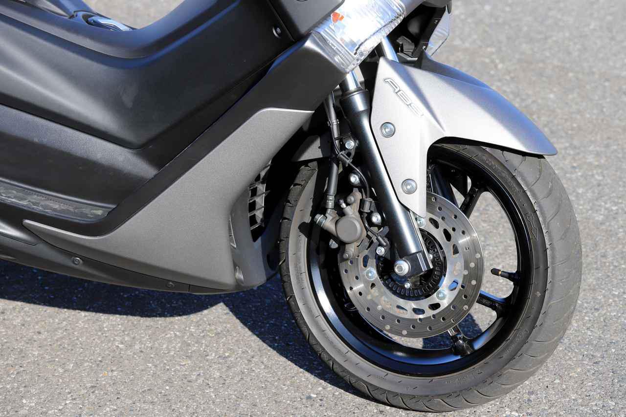 画像1: ブレーキには前後ABSを搭載