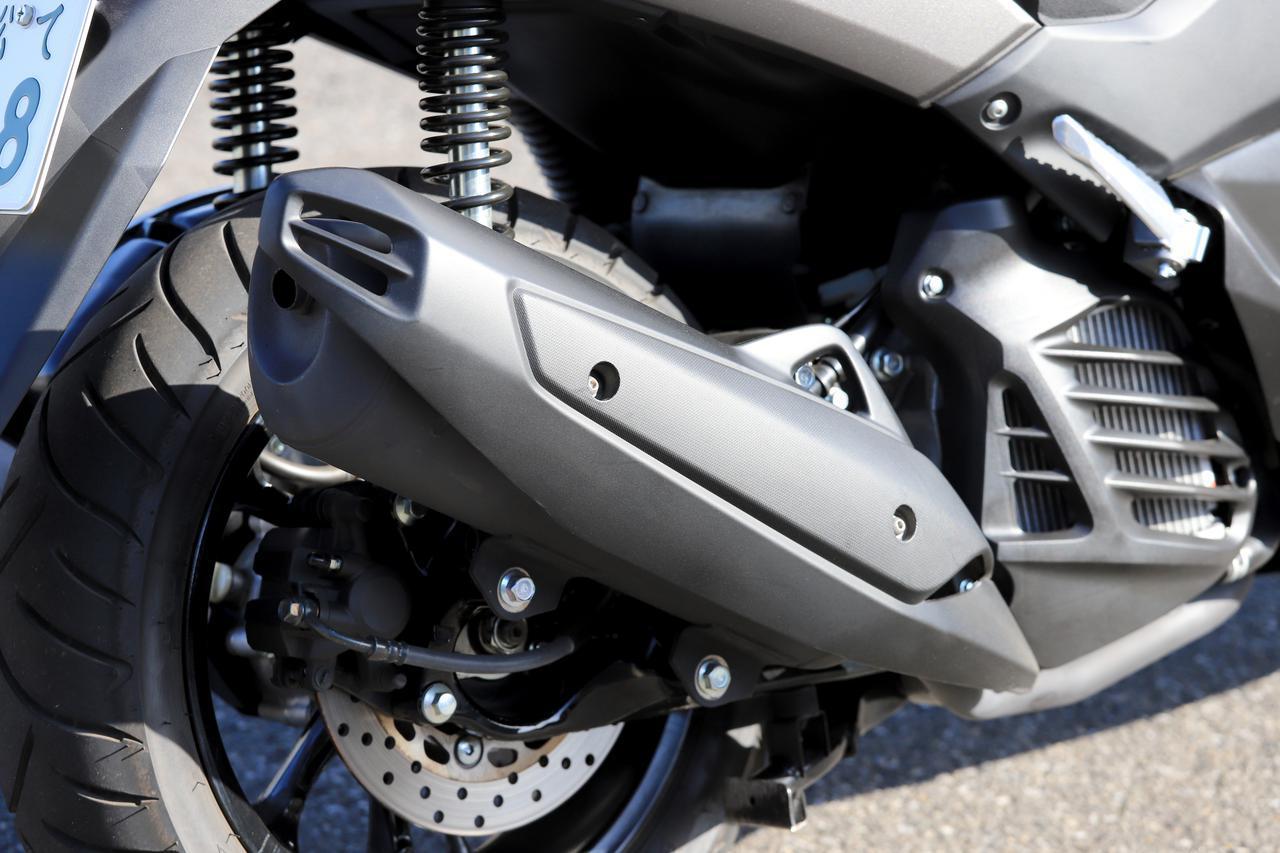 画像2: ブレーキには前後ABSを搭載
