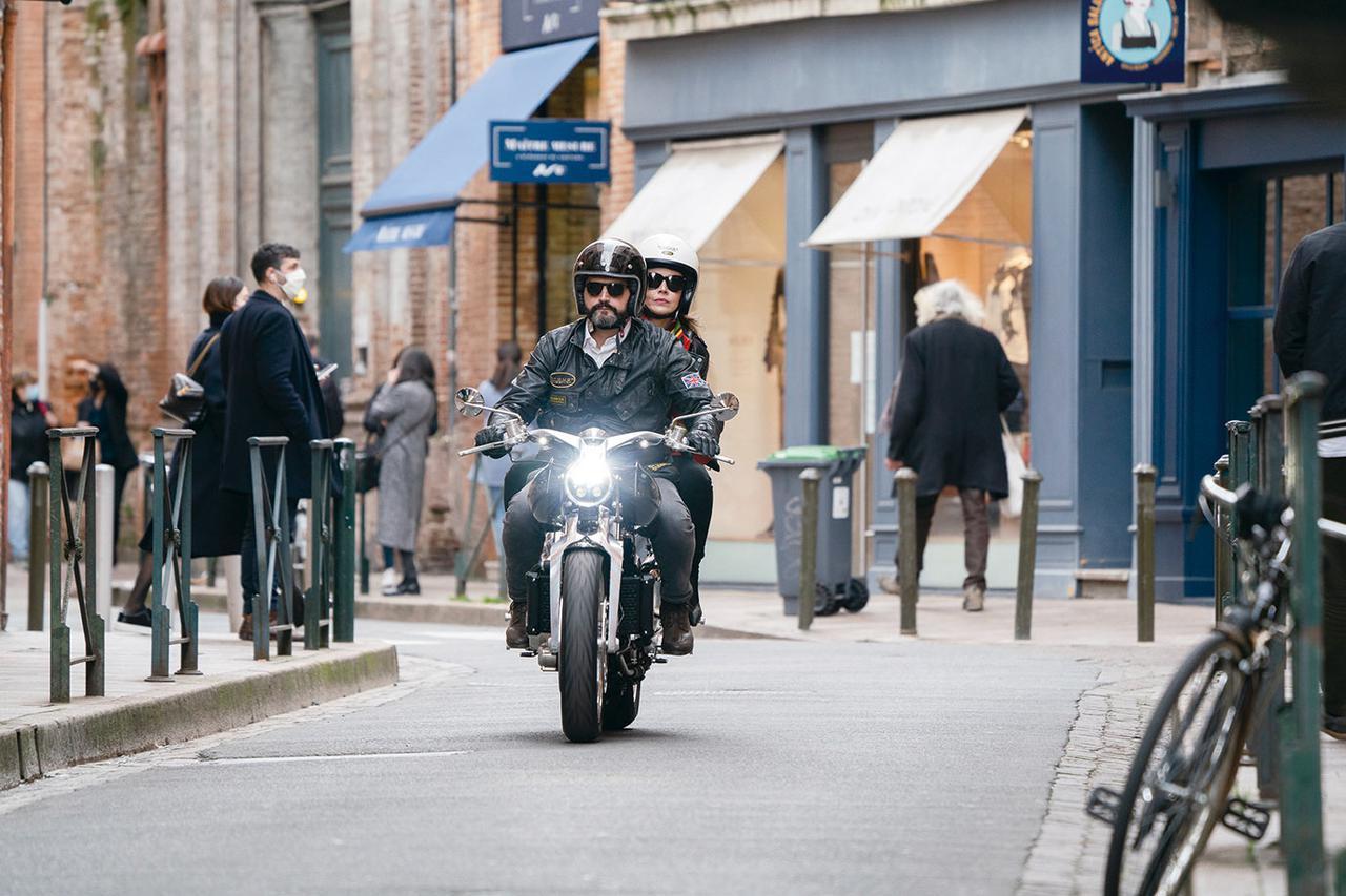 画像1: ブラフシューペリアの新型バイク「ロレンス」とは? 限定188台の高級車をチェック!