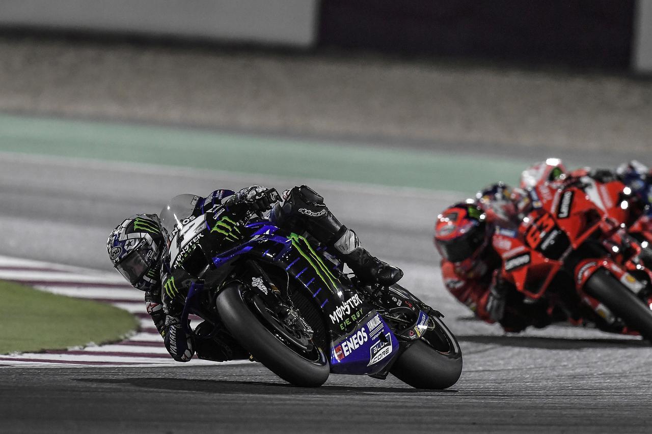 画像: レース中盤、うまくペースメイクしたビニャーレスがトップに浮上! 絵にかいたような完璧な勝ちかた!