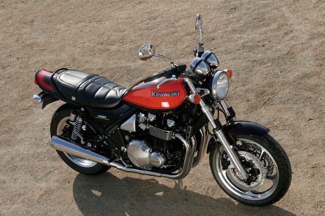 画像: Kawasaki ZEPHYR 1100 Final Edition 2007年1月 登場 エンジン形式:空冷4ストDOHC2バルブ並列4気筒 総排気量:1062cc 最高出力:86PS/7500rpm 最大トルク:8.5kg-m/7000rpm 乾燥重量:245kg タイヤサイズ:120/70-18・160-70-17 当時の発売価格:92万3000円 ファイナルエディションはZ1を思い起こさせる「火の玉カラー」で登場。シート表皮の変更など、最後を飾るにふさわしい装いとなっている。
