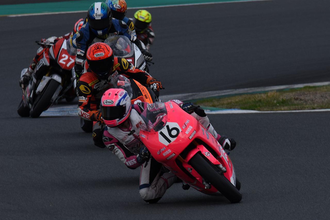 画像: ラスト2周で鈴木がトップに立ちますが、この後、中沢、サスケにヤラれちゃう