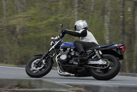 画像: カワサキ「ゼファーχ」インプレ(2009年) - webオートバイ