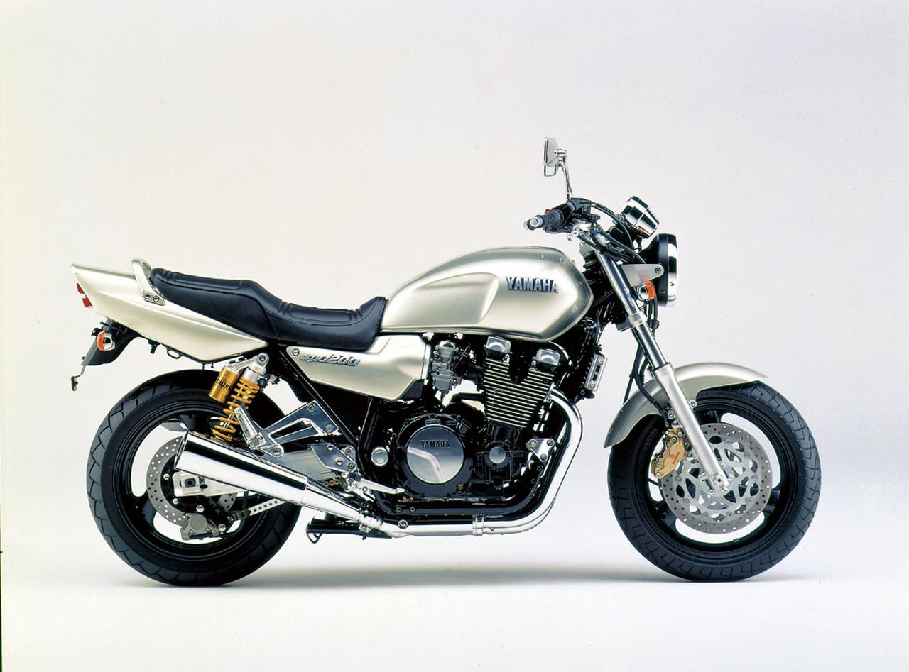 画像2: ヤマハ「XJR1200」「XJR1300」を解説! ワイルド&ダイナミックのコンセプトで登場した空冷4気筒ビッグネイキッド【バイクの歴史】