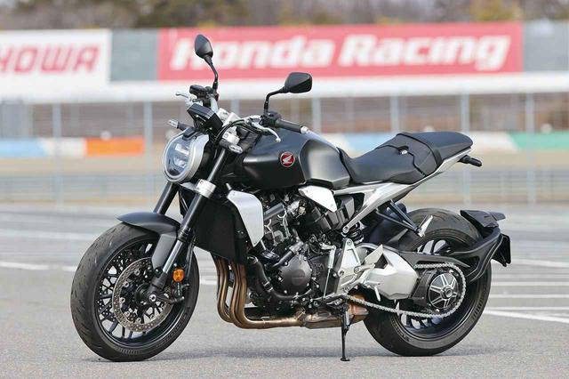 画像: Honda CB1000R 2021年モデル 総排気量:998cc エンジン形式:水冷4ストDOHC4バルブ並列4気筒 シート高:830mm 車両重量:213kg 発売日:2021年3月25日 メーカー希望小売価格:税込167万900円