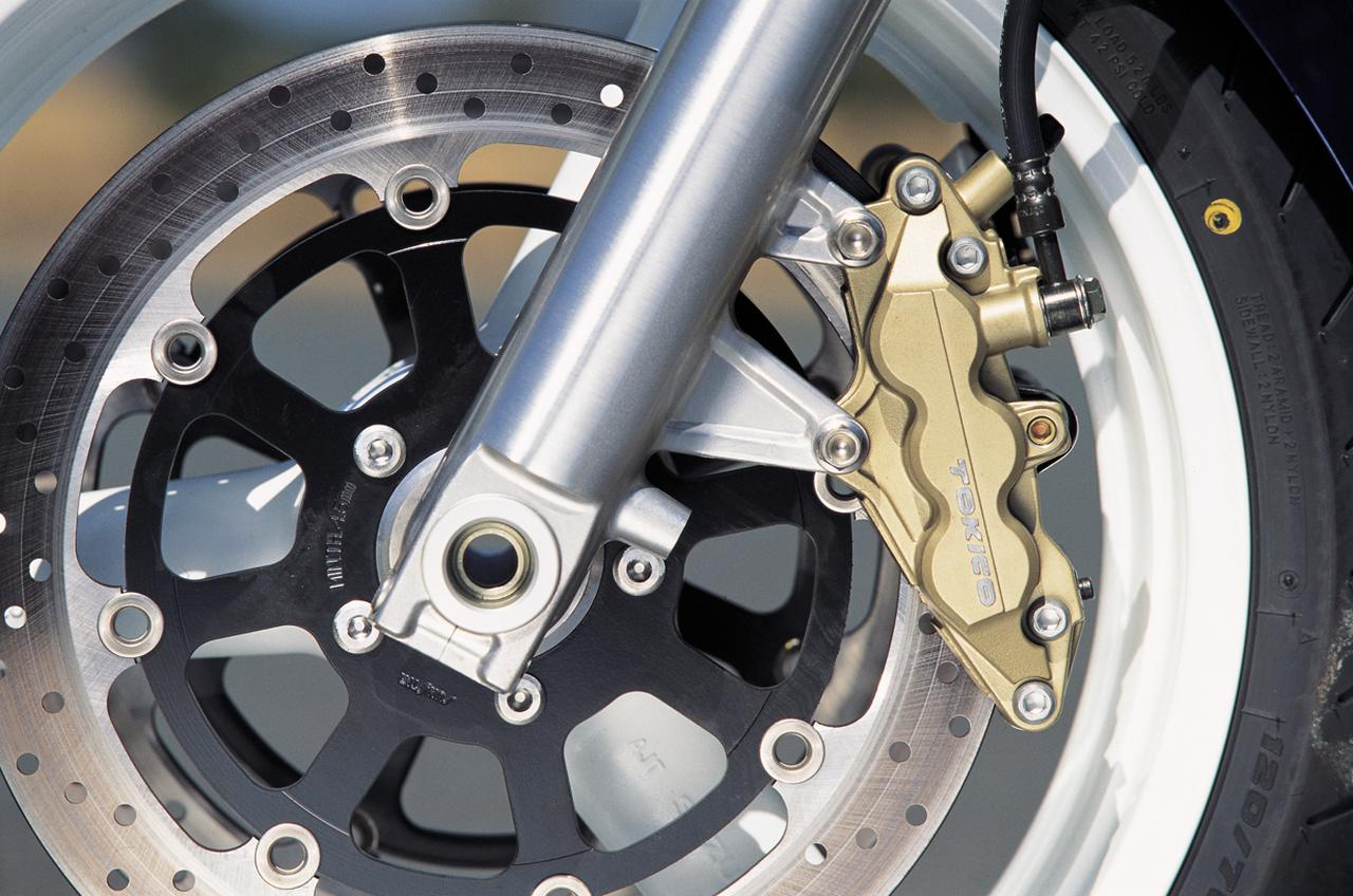 Images : 6番目の画像 - 【写真6枚】スズキ「GSX1400」 - webオートバイ