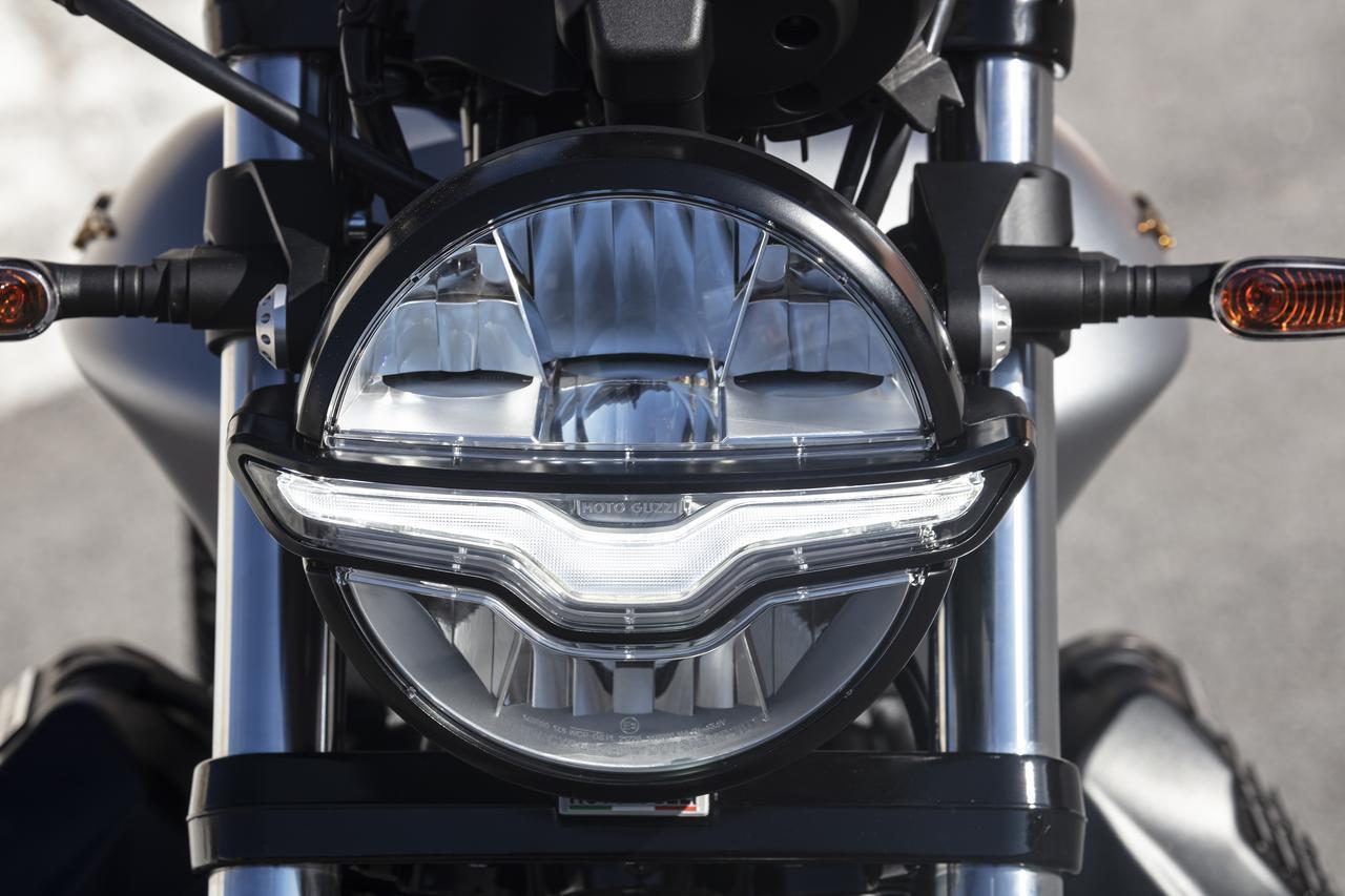 Images : 9番目の画像 - 【写真40枚】モト・グッツィ「V9 Bobber 100 周年記念スペシャルエディション」 - webオートバイ