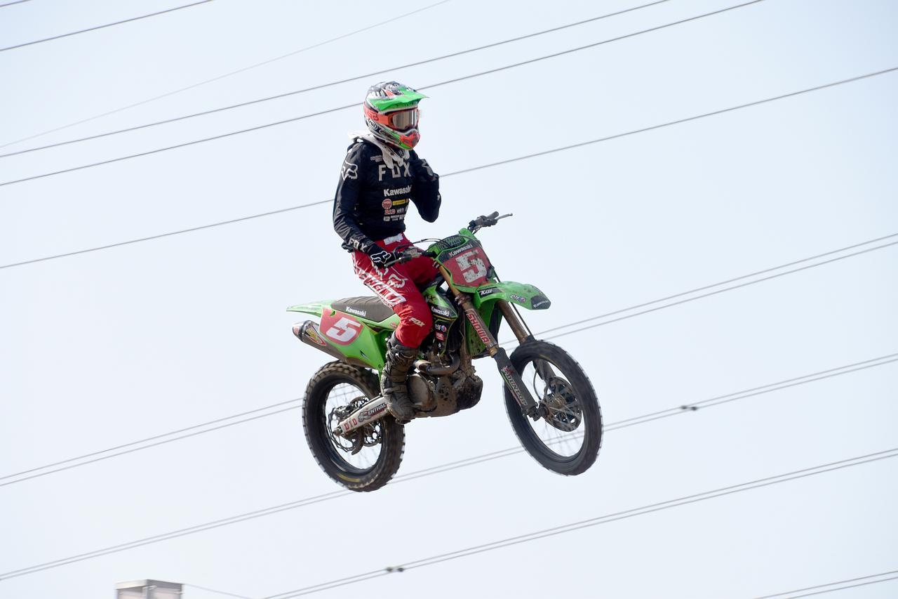 画像: ホンダ→カワサキへの移籍初レースで3ヒート2勝を挙げた能塚 地元九州でのIA1クラス初優勝でした!