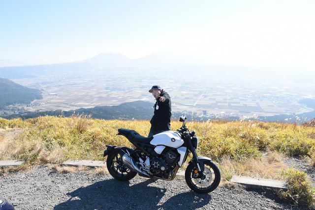 画像: 阿蘇ツーリングの休憩といえば、定番「大観峰」へ 休日はバイクがたくさんです