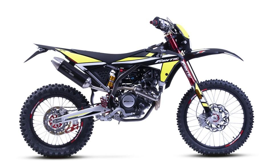 画像: FANTIC XEF125 総排気量:124.6cc エンジン形式:水冷4ストSOHC4バルブ単気筒 メーカー希望小売価格:税込85万8000円