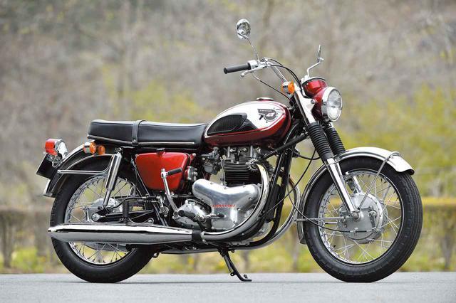 画像: 1967年(昭和42年) カワサキ「650W1」 カワサキ500メグロK2の排気量をアップし、650ccとしてデビューしたカワサキ650W1。上記の125B8で対アメリカ輸出をスタートさせたカワサキの、ビッグバイクのアメリカ投入モデルだ。事実上、1967年に発売されたこの650W1が「純カワサキ」の初代ビッグバイクとなった。