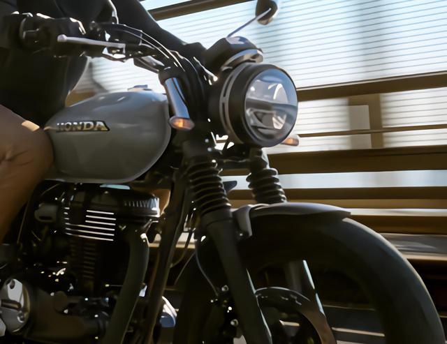 画像: ホンダ「GB350S」の特徴を解説! スタンダードモデル「GB350」とのちがいをチェック - webオートバイ