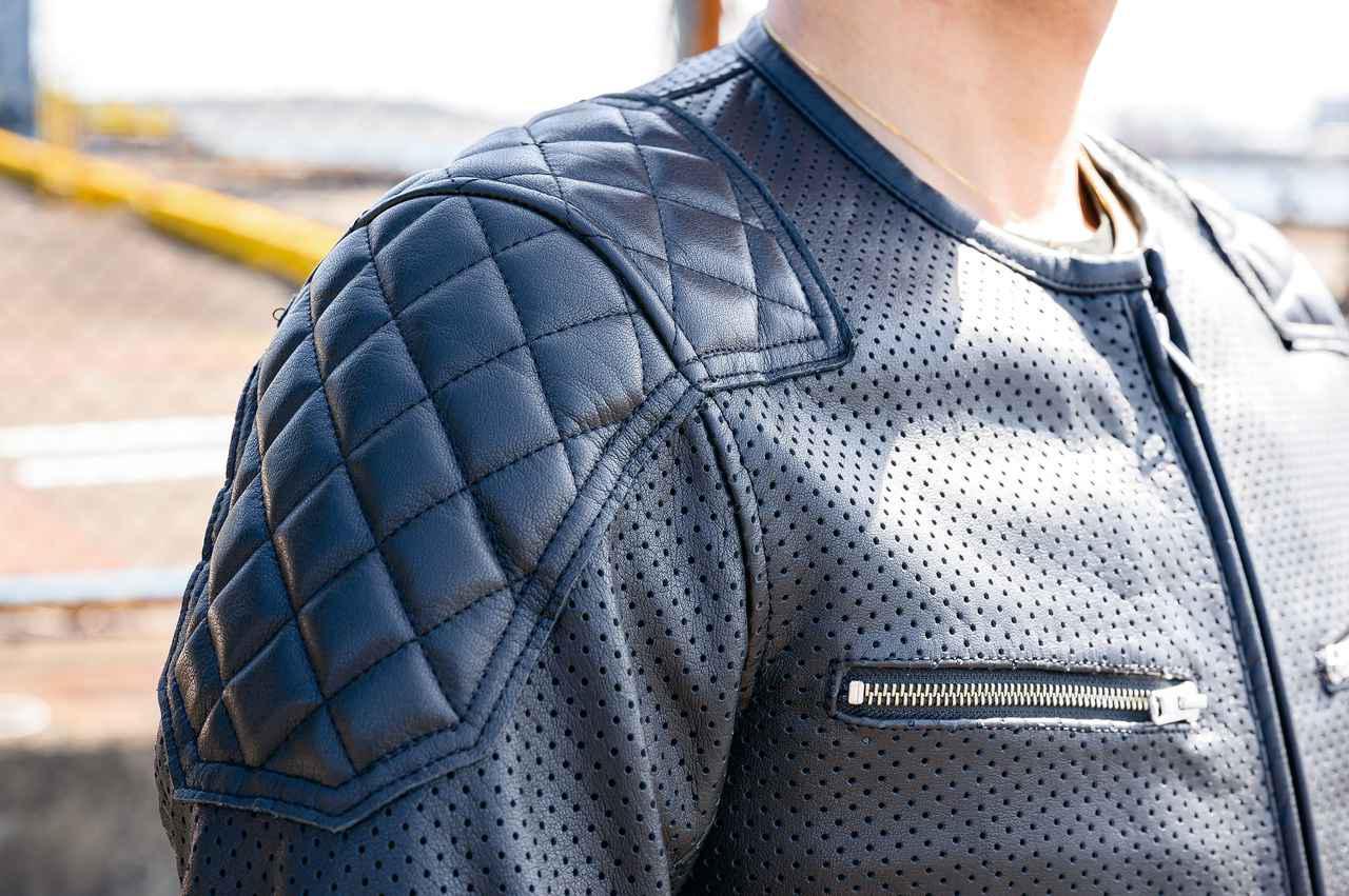 画像: 肩と肘のダイヤモンドキルティングにはスポンジを内蔵。