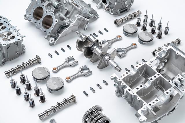 画像: 耐久性と信頼性の両立を実現するために、最新鋭のテクノロジーと現在入手可能な最高の素材を使用したという。クランクシャフトには、硬化、焼き戻し、窒化処理が行われた高張力合金鋼が採用される。エンジン内のそれぞれの部品は、目に付くことはなくとも工芸品の様な美しい仕上がりをみせる。