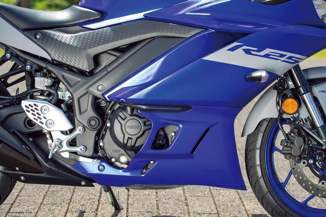 画像: 全回転域でトルクフルなパワー特性で高く評価されている水冷DOHC2気筒エンジンは継承。最高出力は35PSとトップレベルにある。